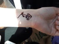 taouage-henne-henna-strasbourg-animation-encre-alsace-noir-tattoo-ephemere-temporaire-animation-atelier-evenement-fun