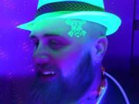 tattoo-tatouage-fluo-phospho-lumiere-noir-animation-soiree-evenement-mariage-alsace-bourgogne-phosphorescent-fluorescent-strasbourg-brillant-atelier